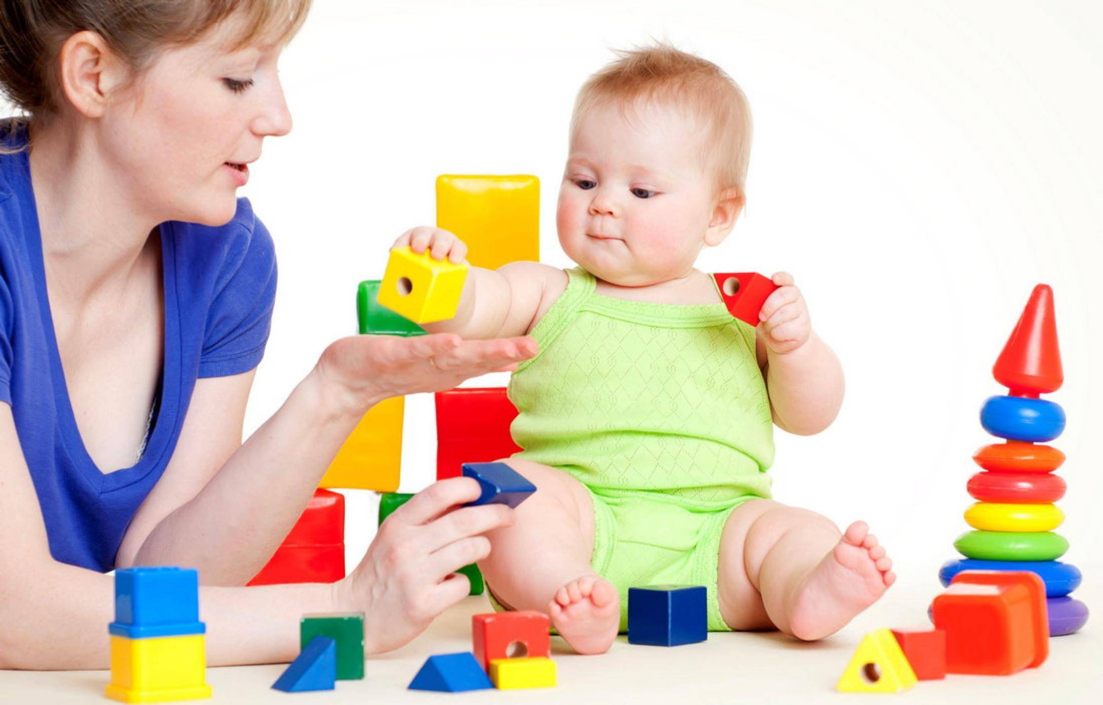 Как развивать ребенка в 1, 2, 3, 4, 5, 6 месяцев   игры и игрушки для новорожденных и грудничков   жили-были