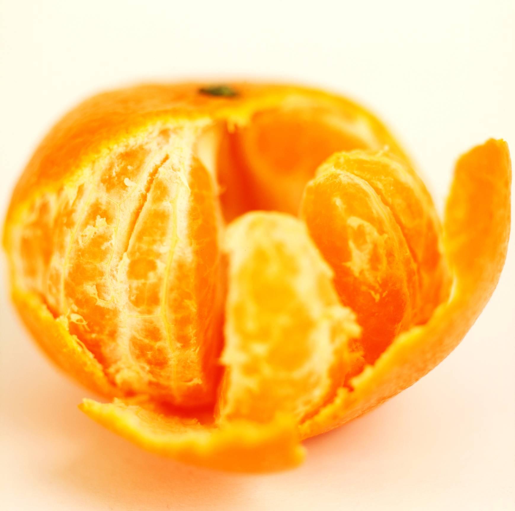 С какого возраста можно давать ребенку мандарины: можно ли дать до года, аллергия