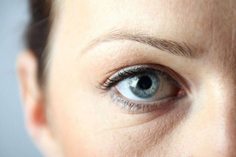 Покраснение век глаз — причины и лечение