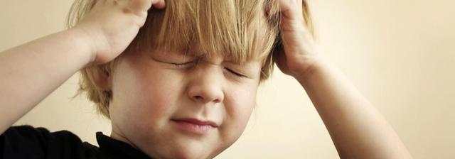 Как определить что у ребенка судороги. почему ребенок дергается во сне