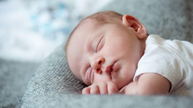 Баю–баюшки–баю: сколько должен спать ребенок в 1 год