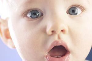 Обильное слюноотделение у детей, грудничков и новорожденных: причины повышенного и сильного слюноотеделения у ребенка 3-4 месяцев, 2-3 и 12 лет