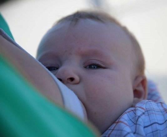 Как отучить ребенка от ночного кормления грудью