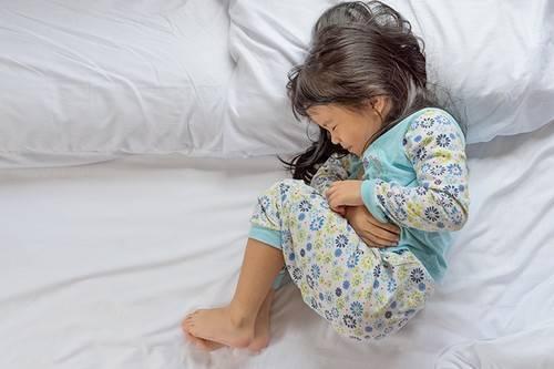 Признаки обезвоживания организма у ребенка 2 года. обезвоживание у ребенка: первые симптомы, причины, лечение