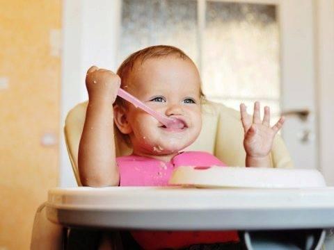 С какого возраста можно давать в прикорм пшеничную кашу ребенку сготовленную своими руками