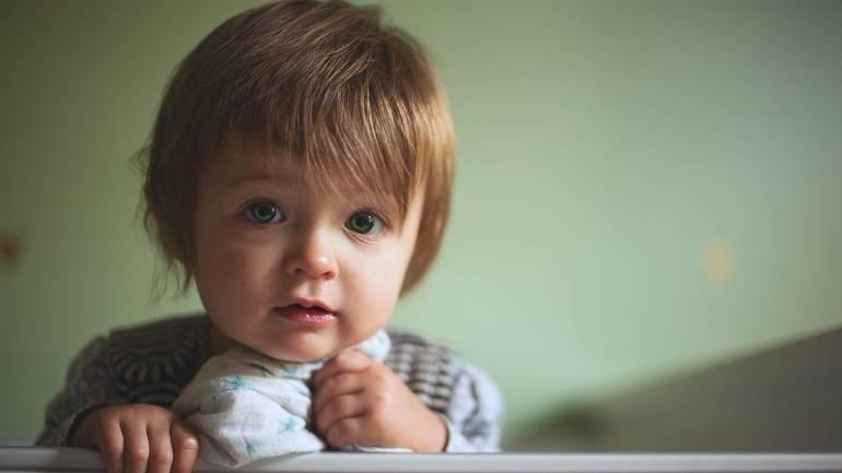 Что делать, если у ребёнка понос и температура: выясняем и устраняем причину