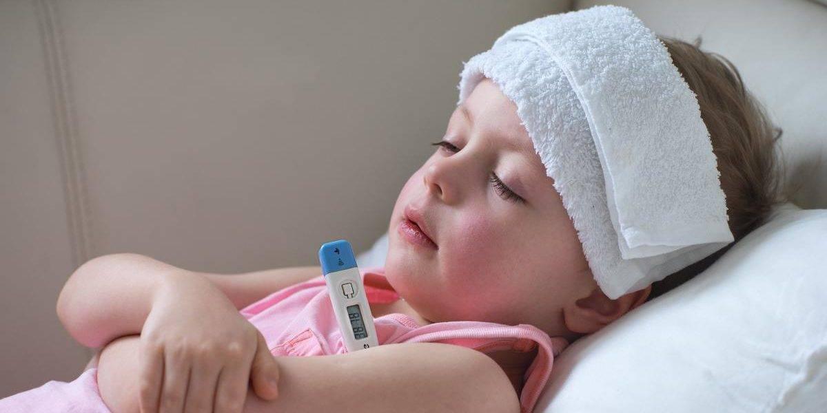 Обтирание водкой, или как быстро сбить температуру ребенку
