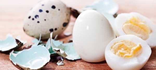 С какого возраста можно давать ребенку яйцо и возможен ли вред