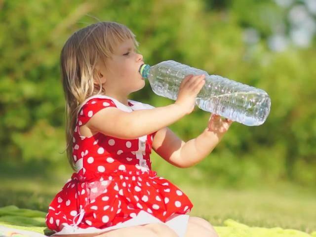 Почему ребёнок пьёт много воды