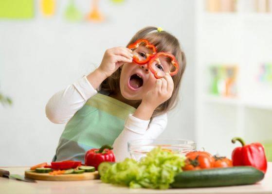 Ребенок не ест мясо. что делать?