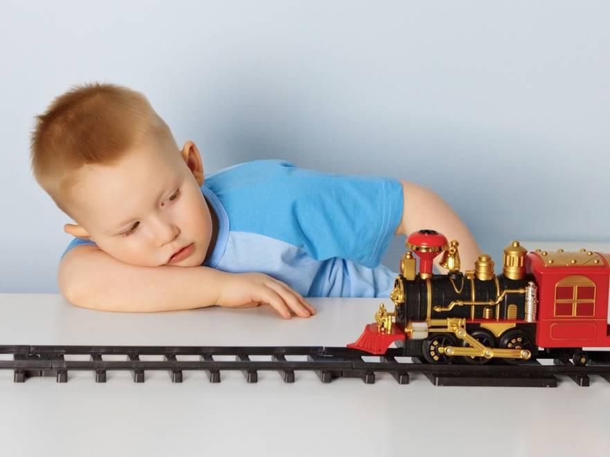 Какие игрушки необходимы ребёнку в полтора года