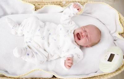 Вредно или полезно грудничку спать на животе, почему нельзя?
