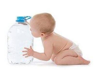 Почему у ребенка появляется мутная моча?