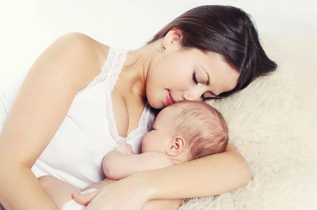 Советы мамам: что делать, если у новорожденного колики