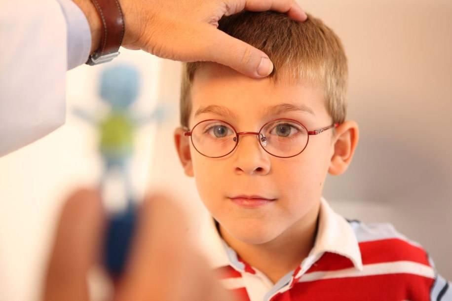 Косоглазие у детей: причины и лечение
