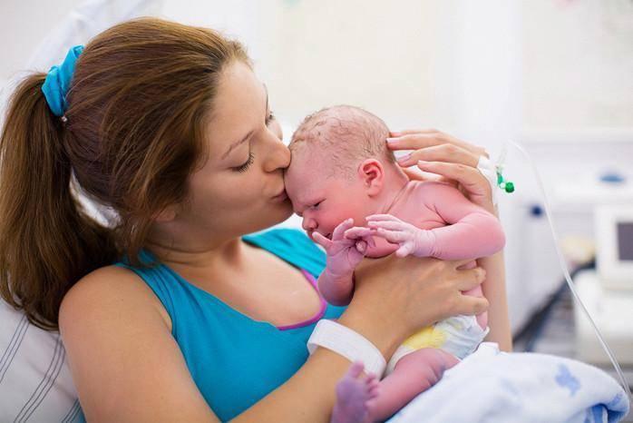Уход за новорожденным ребенком в первые месяцы жизни