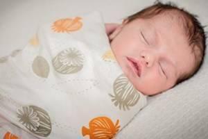 Чем стирать детские вещи для новорожденных: как правильно и какими средствами
