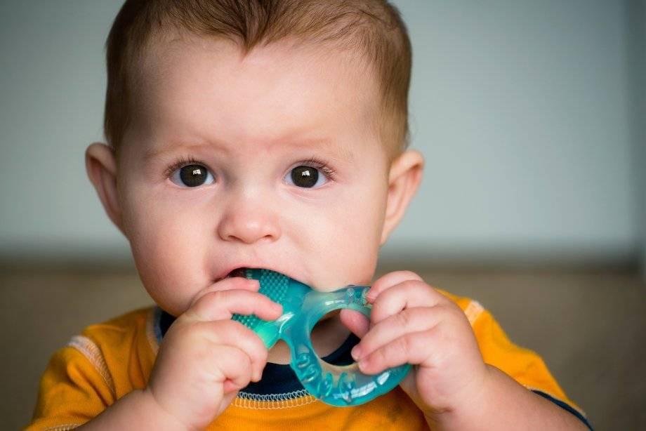 Мази и гели для десен при прорезывании зубов: какие лучше?