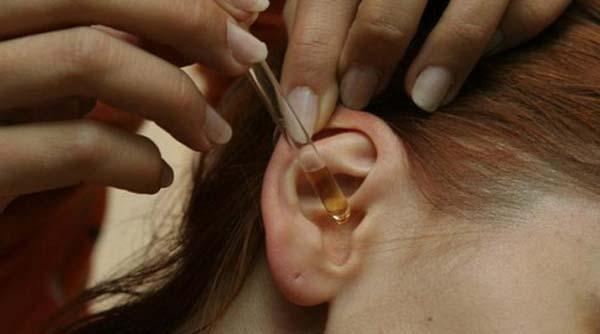 Кровь из уха у ребенка: причины, кровотечение после чистки ватными палочками