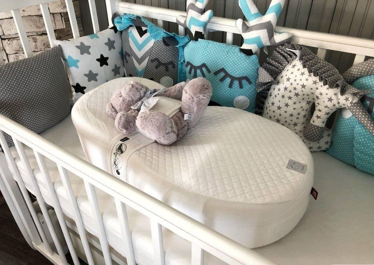 Если новорождённый спит на спине, это не вредно?