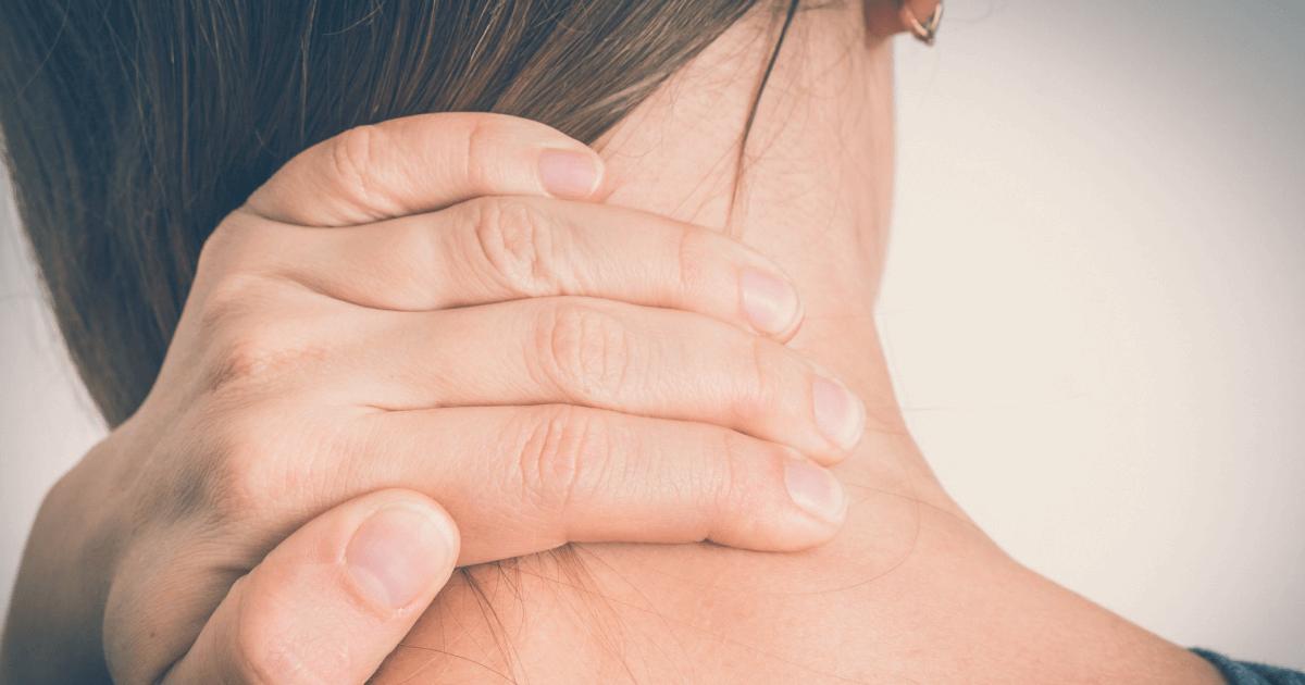 Признаки что у грудного ребенка болит голова. причины и симптомы головной боли у грудничка