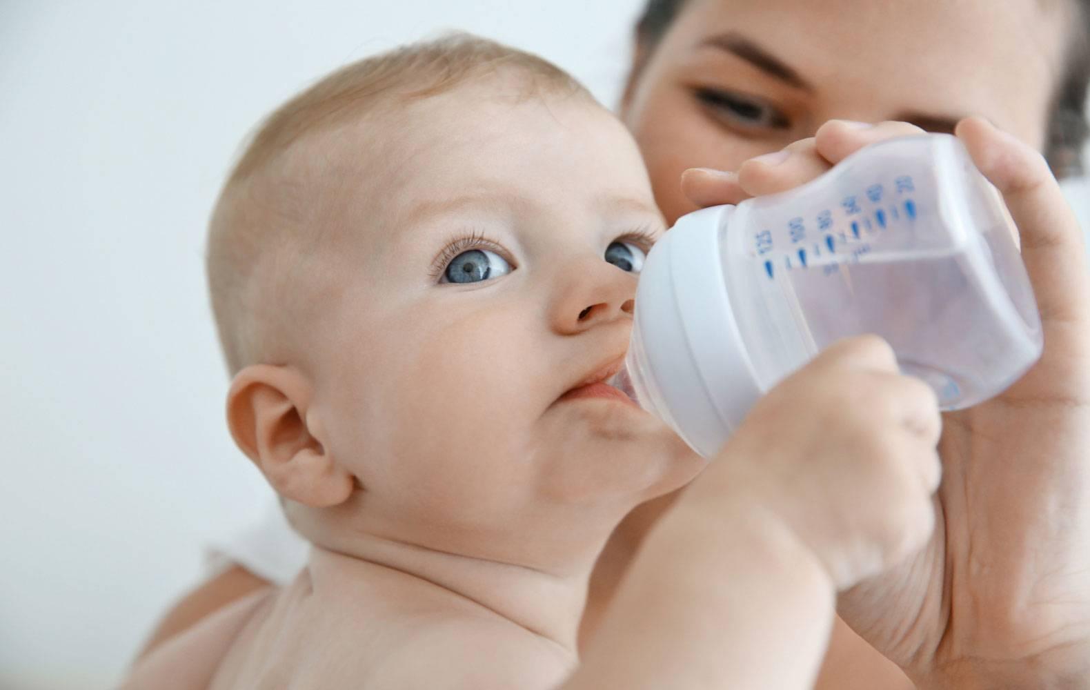Пять правил допаивания грудничка водой при грудном вскармливании