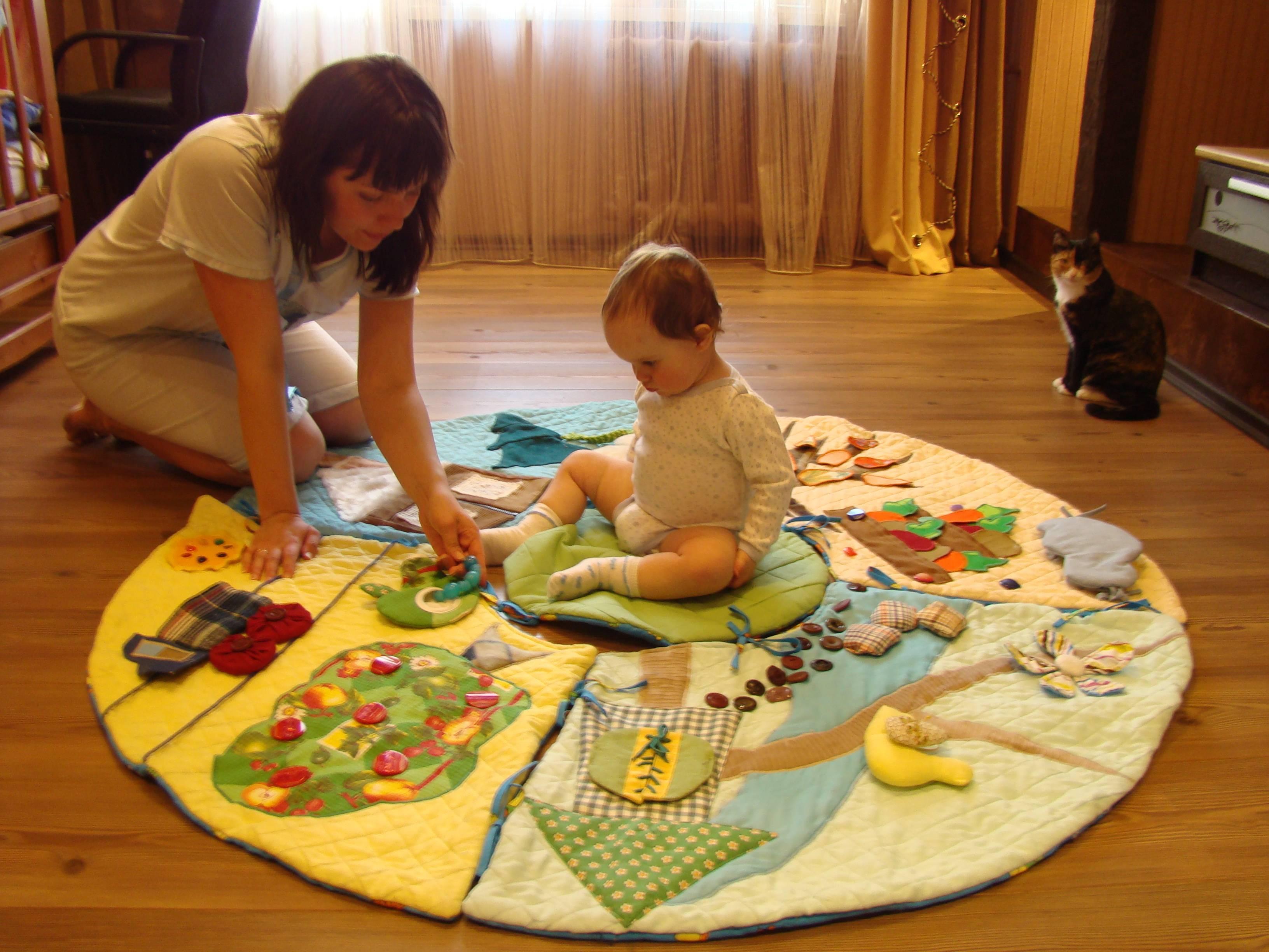 Делаем своими руками: развивающий коврик | материнство - беременность, роды, питание, воспитание