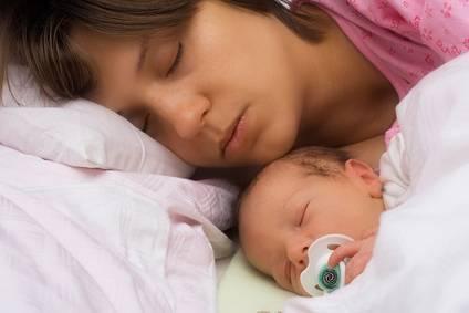 Надо ли будить ребёнка (новорожденного, грудничка) для кормления | nashy-detky.com.ua