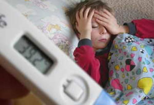 Обтирание водкой при температуре у ребенка - показания и побочные действия