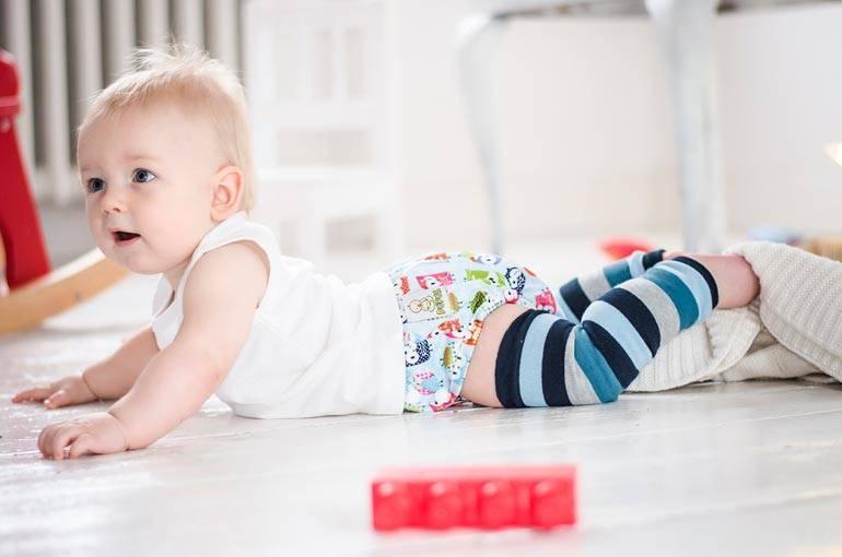 Не проходите мимо))как научить вставать на четвереньки!!и про присаживание