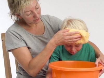 Что делать, если у взрослого или ребенка появляется рвота с кровью?