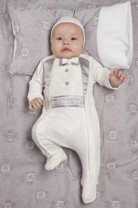 Во что одеть ребенка на выписку весной?