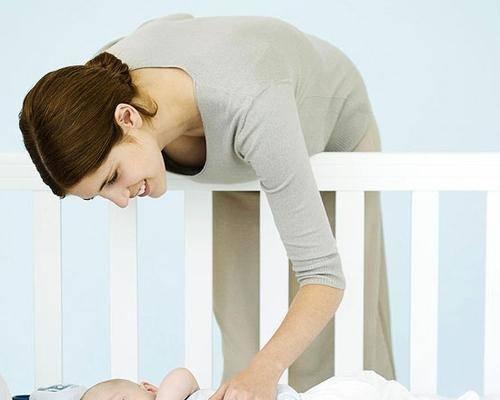 Растительное масло в прикорме у грудничка и рационе ребенка: оливковое и подсолнечное – какое лучше выбрать, при запоре, как простерилизовать для новорожденных