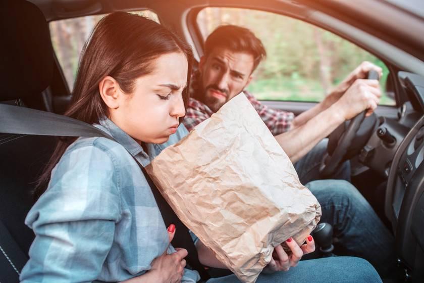 Ребенка укачивает в машине: что делать, чтобы спасти от тошноты