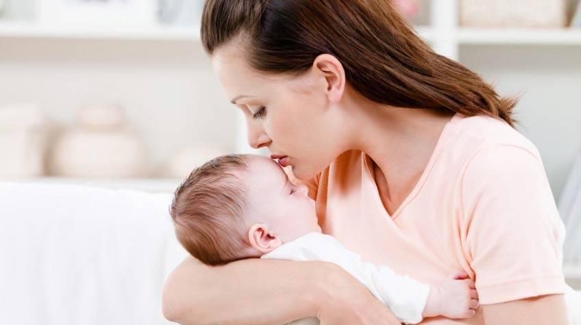 Срыгивание желтым у малыша в 2 месяца