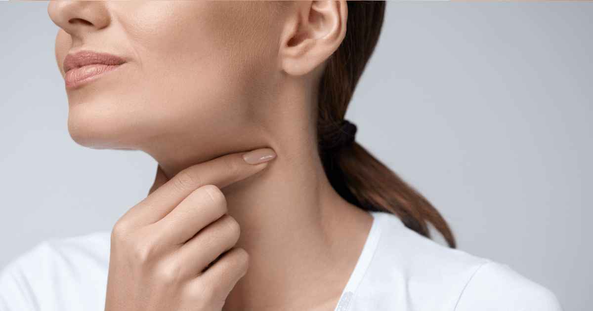 Боль в горле у грудничка: причины и симптомы болезни