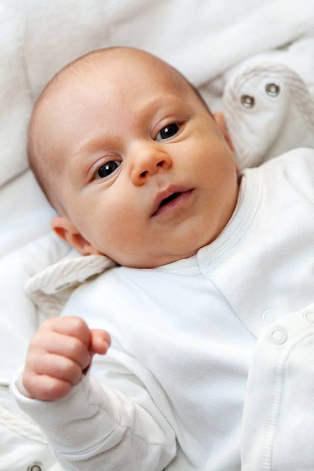 Ребенок корчится при кормлении - грудничок извивается во время кормления - запись пользователя оленька (pronto_m) в дневнике - babyblog.ru