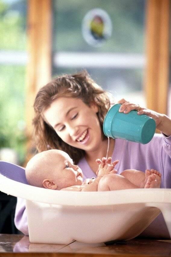 Почему плачет новорожденный - как успокоить и помочь малышу
