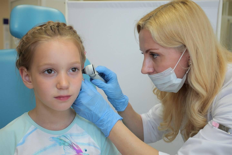 Шишка за ухом у ребенка или воспаленный лимфоузел (41 фото): что это и что делать, если шишка на кости или воспалился и увеличился лимфоузел с одной стороны