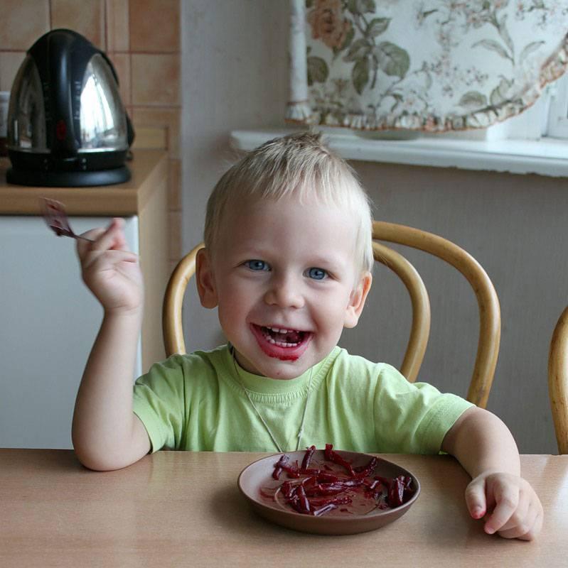 Начинаем прикорм: с какого возраста можно давать ребенку свеклу?