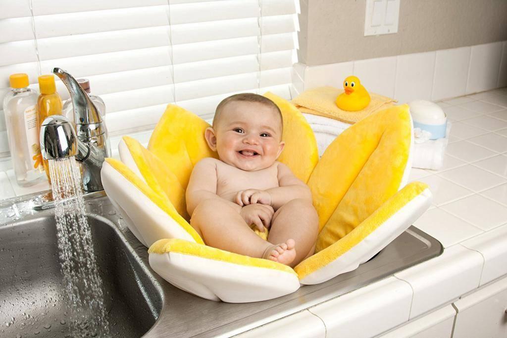 Как подмывать новорожденного мальчика, девочку в несколько месяцев, 2-5 лет