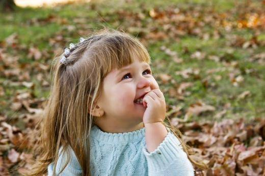 Когда ждать от ребенка первых слов и как помочь ему научиться говорить?