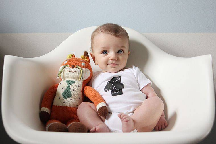А может пораньше: можно ли сажать ребенка в 4 месяца?