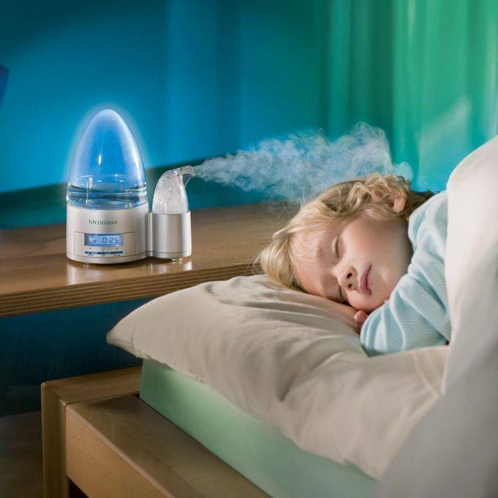 Увлажнитель воздуха в детской комнате.
