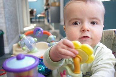 Занимаемся развитием девочки в 6 месяцев: советы по расширению навыков и умений ребенка