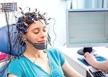Что такое энцефалограмма головного мозга и зачем ее делают детям?