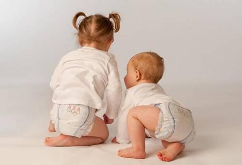 Памперсы: плюсы и минусы, можно ли новорожденным памперсы и как их менять