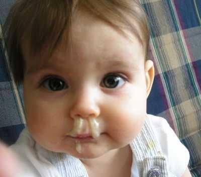 Почему у ребенка ночью закладывает нос, грудничок плохо дышит